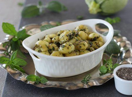 Finti gnocchi di zucchina tonda con erbe aromatiche e chia