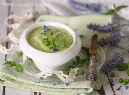 Crema di piselli allo yogurt e menta facile e veloce