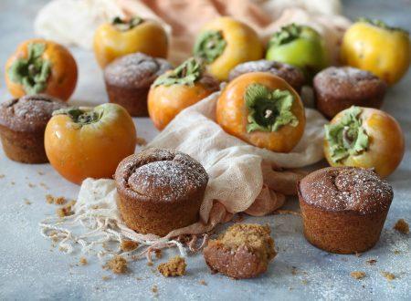 Muffin con cachi frullati e farina di sorgo