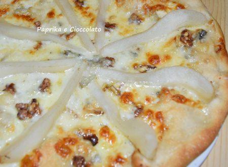 Pizza Gorgonzola Pere e Noci