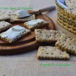 Crackers integrali con semi di cumino