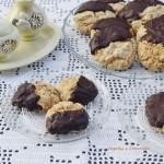 Amaretti al cocco e cioccolato