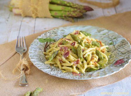 Trofie con asparagi e prosciutto