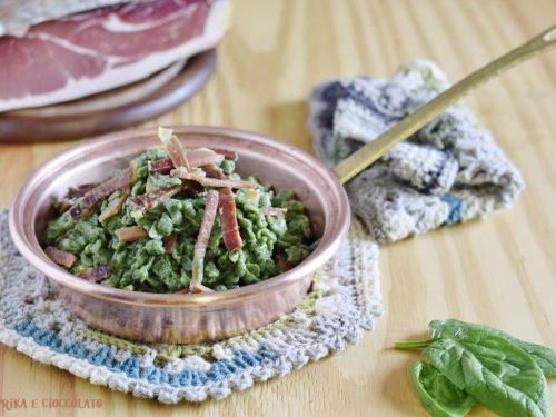 Spatzle di spinaci con speck e ricotta