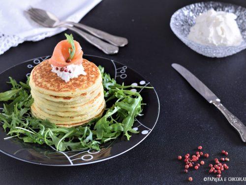 Pancakes salati con salmone