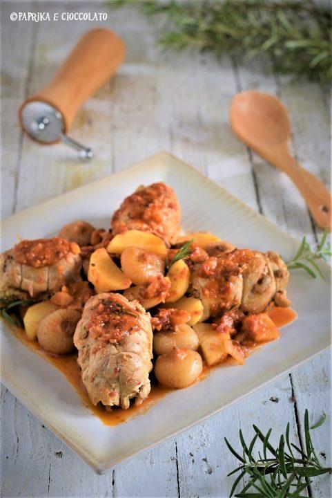 Involtini di pollo con cipolline e patate