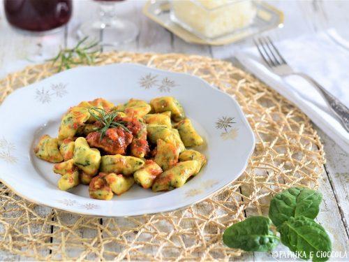 Gnocchi con spinaci al pomodoro