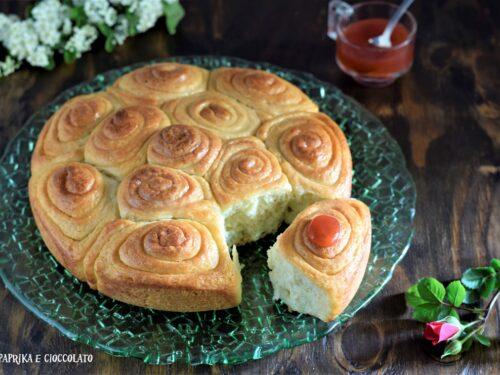 Torta delle rose al profumo di vaniglia