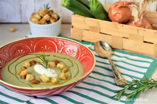 Vellutata di zucchine con crostini saporiti