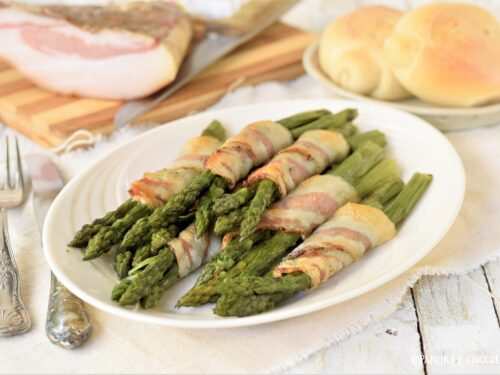 Involtini di asparagi e guanciale gratinati