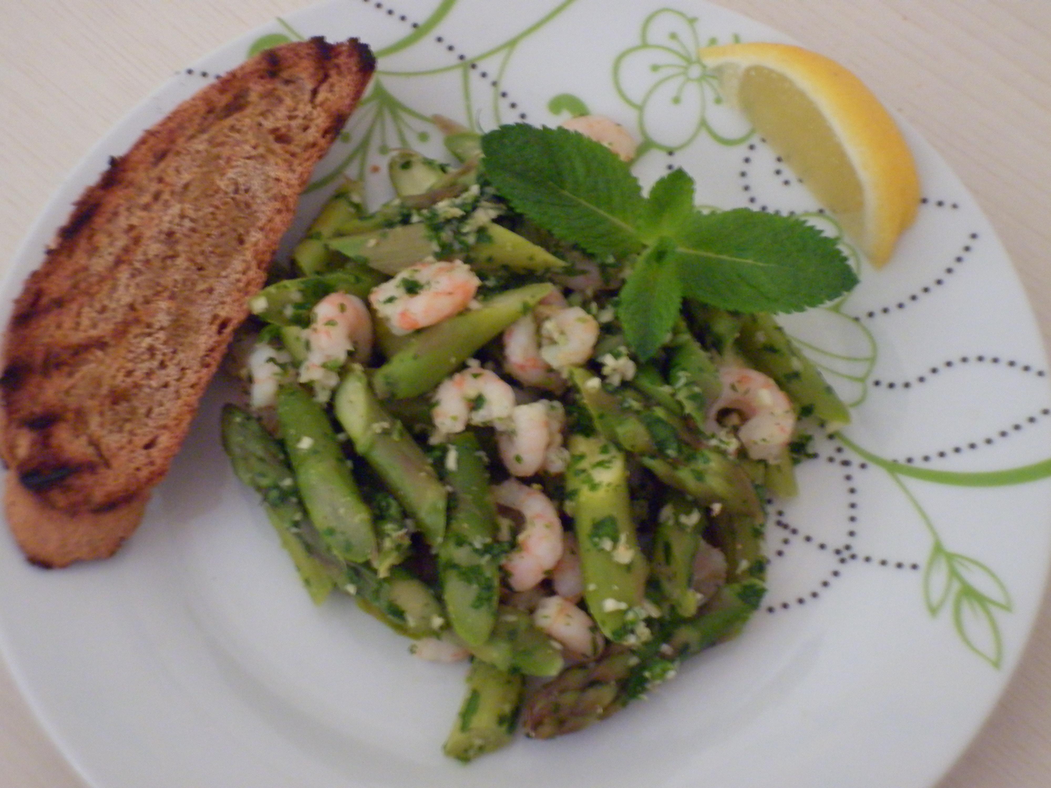 insalata asparagi gamberetti