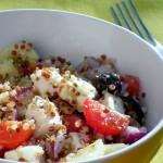 insalata greca di quinoa