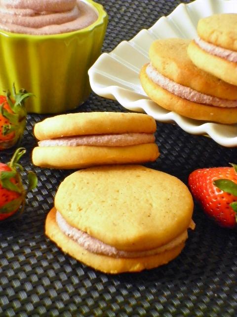 biscotti sandwich alle fragole