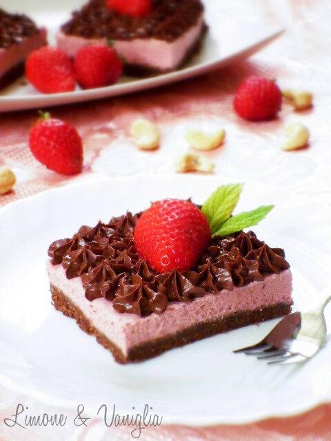 torta fredda fragole e cioccolato
