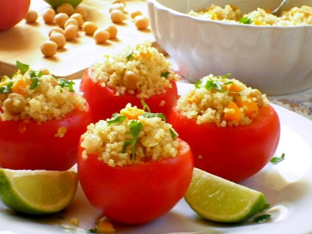 pomodori ripieni di quinoa e ceci
