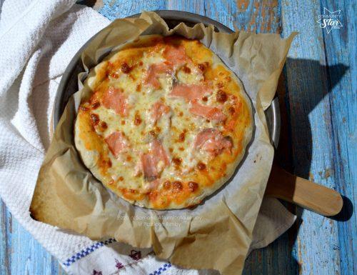 PIZZA AL SALMONE AFFUMICATO BIMBY