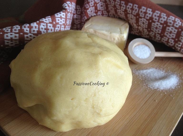 Pasta frolla ricetta base senza lievito passionecooking for Pasta frolla planetaria