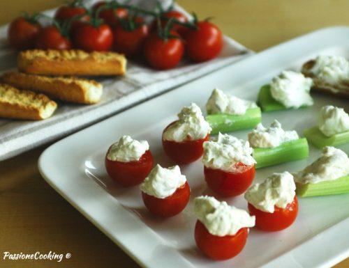 Pomodorini e sedano con mousse di gorgonzola – antipasto finger food