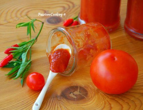 Ketchup fatto in casa – più saporito di quello comprato