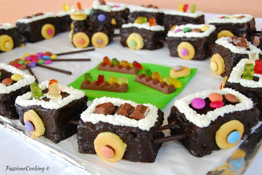 Torta di compleanno trenino - senza pasta di zucchero