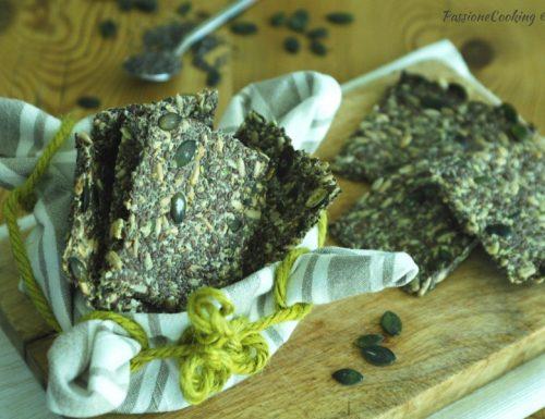 Cracker speziati con semi di chia e vari