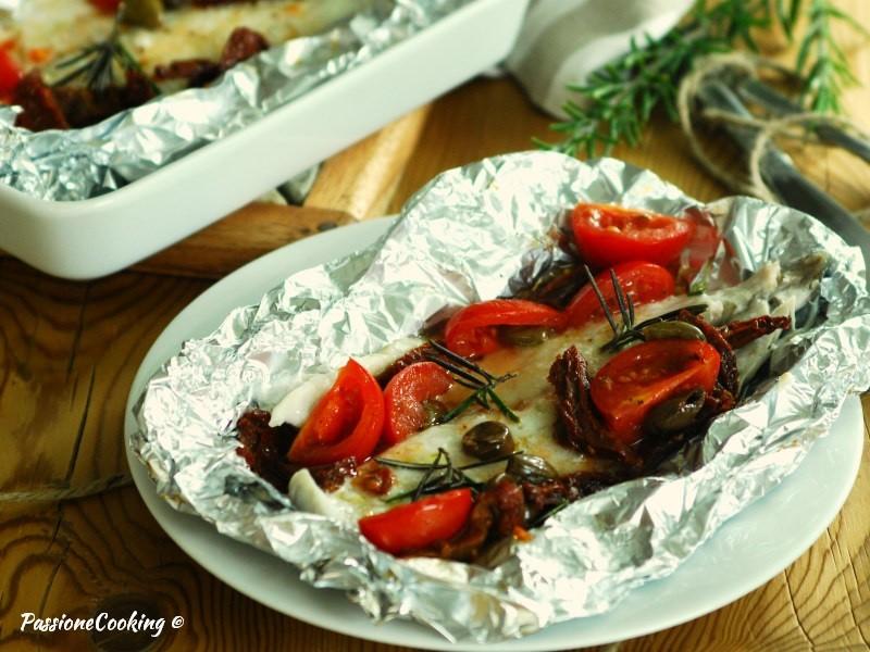 Filetti di orata al cartoccio con pomodori | PassioneCooking