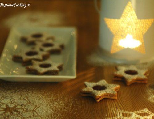 Biscotti Linzer a forma di stella – ricetta Natale
