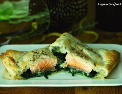 Filetto di salmone in crosta con spinaci