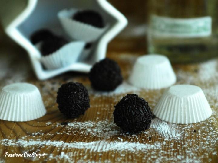 Palline al cioccolato e rum (Rumkugeln)