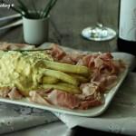 Asparagi con salsa bolzanina e prosciutto