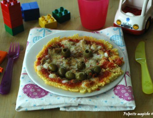 Pizza di cous cous con tonno e olive