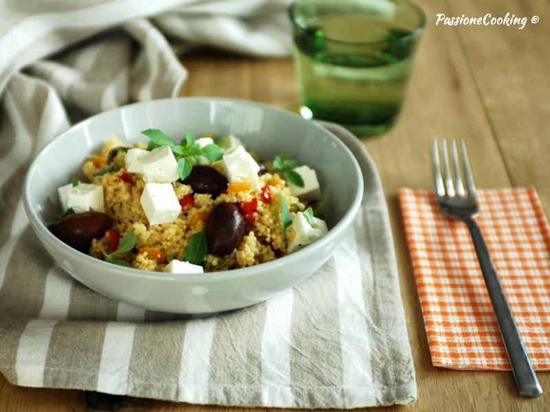 Miglio con verdure, olive e feta