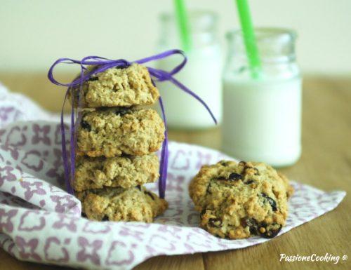 Biscotti con fiocchi d'avena, mirtilli e anacardi