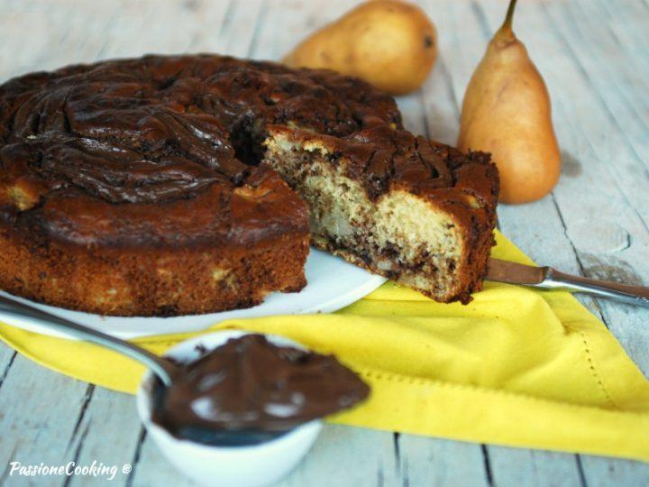 Torta di pere variegata alla Nutella