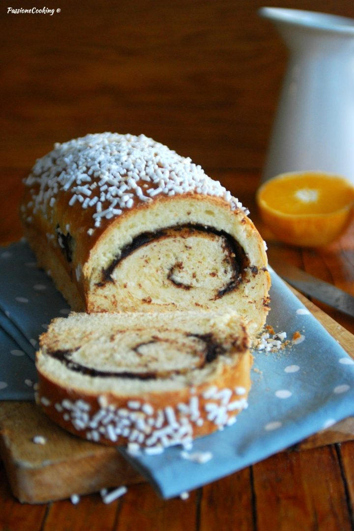 Pan brioche ripieno al cioccolato e profumo d'arancia - con lievito madre