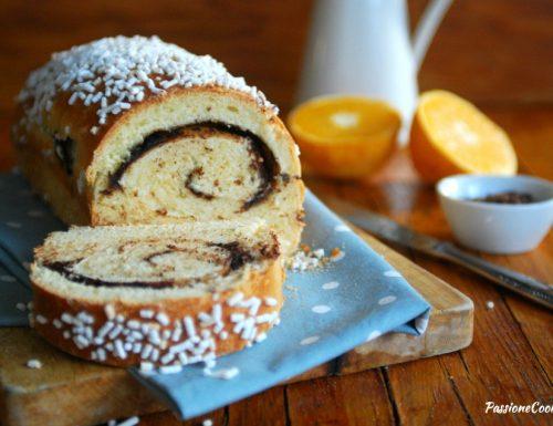 Pan brioche ripieno al cioccolato e profumo d'arancia – con lievito madre