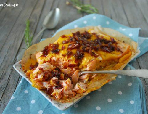 Filetto di salmone al cartoccio con salsa al mango