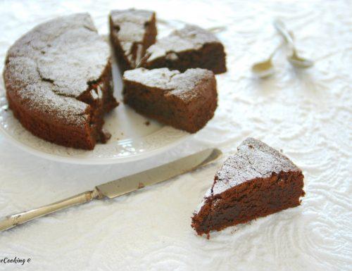 Torta con amaretti e cioccolato e… olio d'oliva – senza glutine
