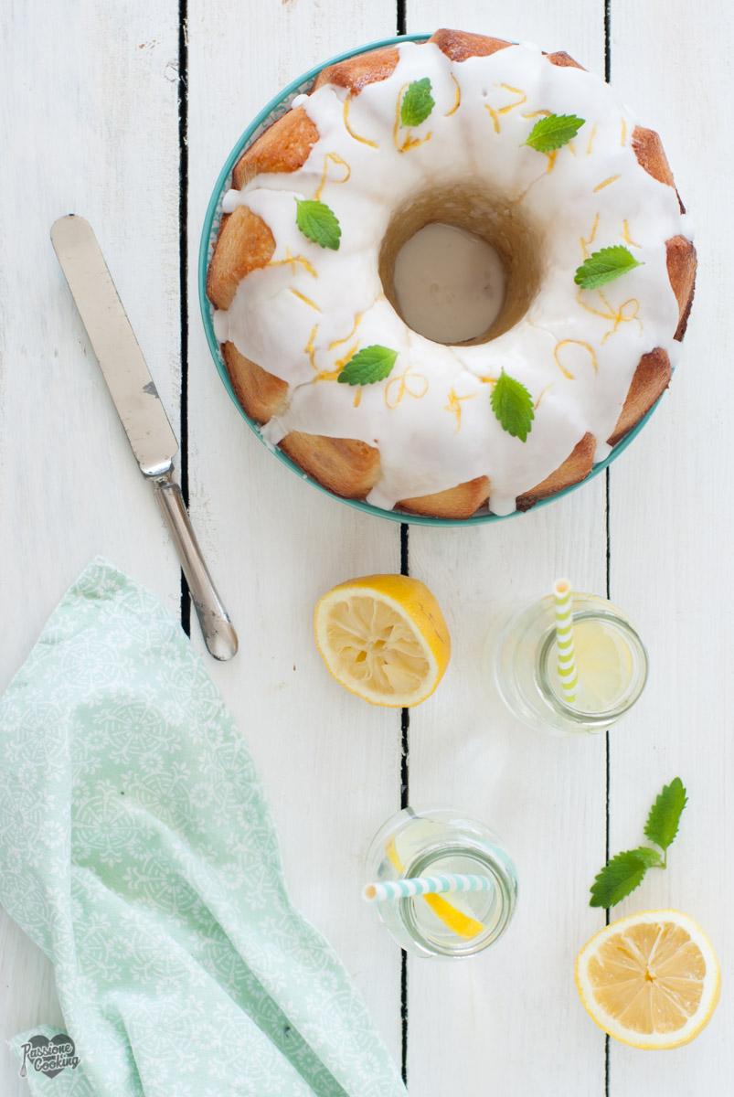 Ciambella al limone e yogurt con cioccolato bianco