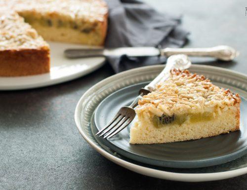 Torta con kiwi e mandorle croccanti
