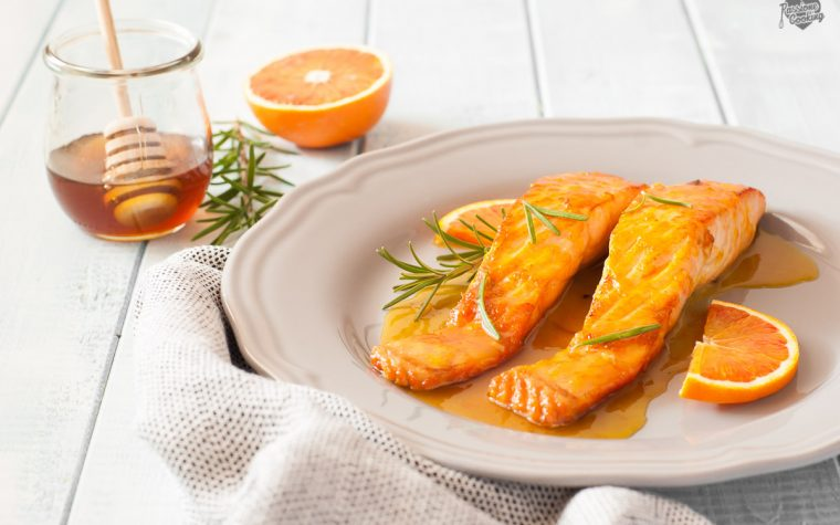Filetti di salmone con salsa all'arancia e miele