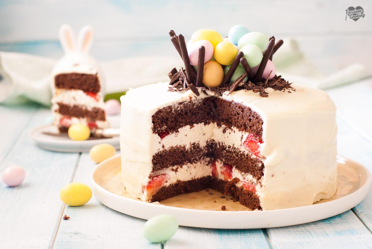 Torta di Pasqua con namelaka al lime e fragole