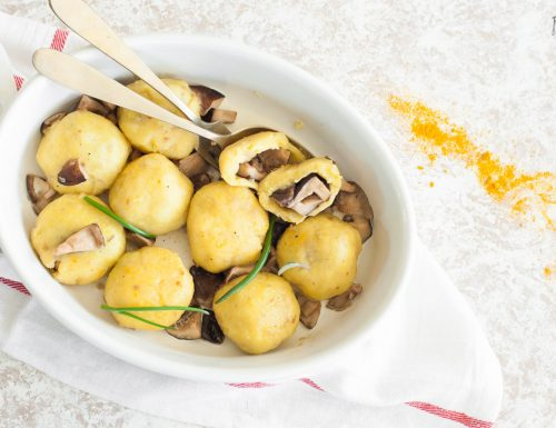 Gnocchi di patate alla curcuma con funghi shiitake