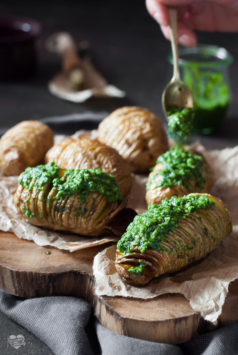 Patate Hasselback al Pesto – Cotte al Forno