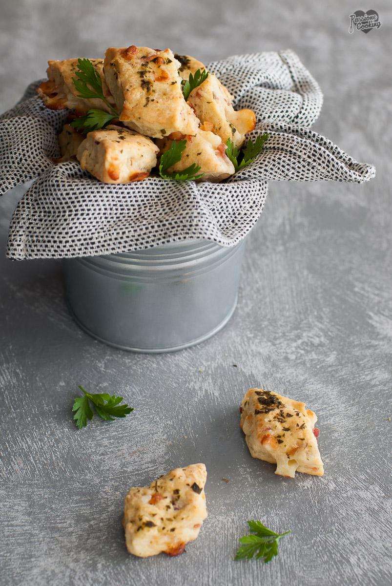 Bocconcini salati con speck e formaggio - perfetti per il buffet