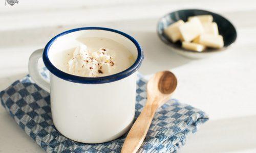 Cioccolata calda bianca – densa e delicata