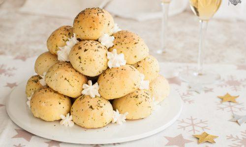 Mini panini con ricotta aromatizzati all'aglio
