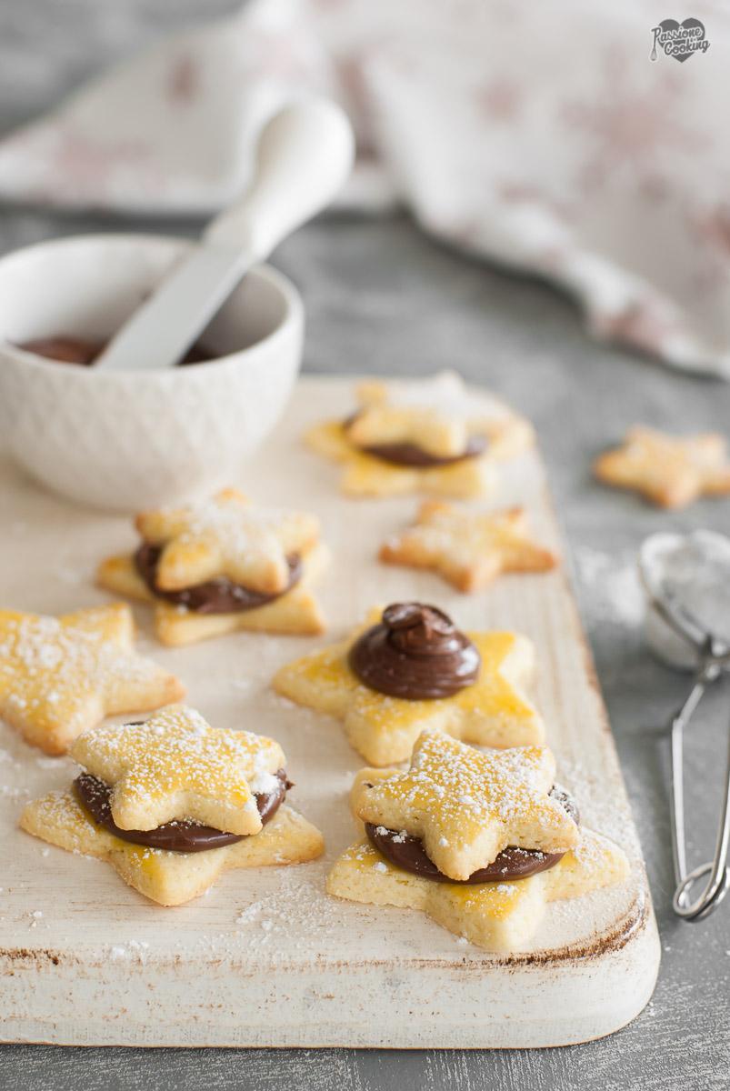 Biscotti di Natale semplici a forma di stella