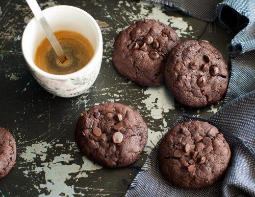 Cookies alla barbabietola e cioccolato