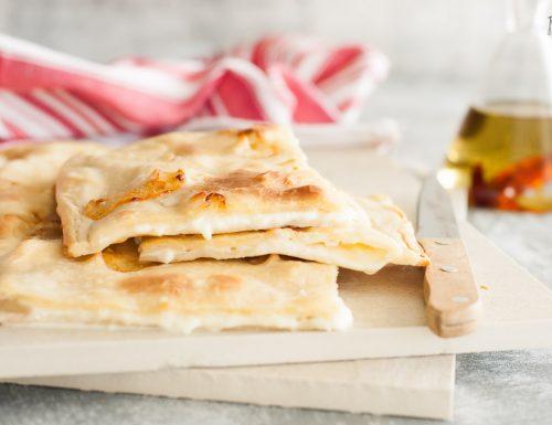 Focaccia al formaggio senza lievito